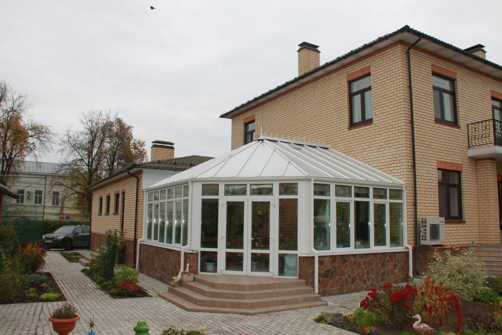 г. Бронницы, монтаж июнь 2012 г..зимний сад площадь 42 м.кв., высота в коньке 4,6м.